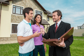 Top questions you should ask your broker while considering home loan